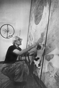 Erol Akyavaş, Ortaköydeki atölyesinde çalışıyor. Ergun Çağatay, 1987